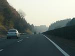 早朝の高速道路
